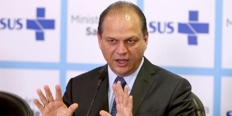 Governo federal condena irregularidades no SUS